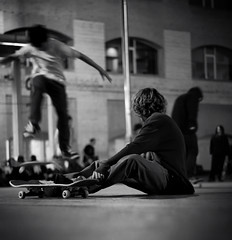 Next time........ (SlapBcn) Tags: barcelona people bw fall face night noche gente air bcn bn skate skateboard nocturna slap macba callejeando gent nit blancinegre caida nikkor50mm18 nexttime nikond80 slapbcn imgonnamakeit