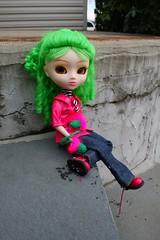Olive (cybermelli) Tags: winter snow green hat hair doll boots coat gloves curly planning pullip custom jun mittens arietta