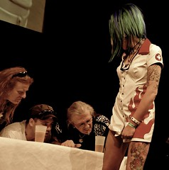 Tattoo Contest (_MissAgentCooper) Tags: flower berlin green tattoo ink hair tattooconvention nikon leg watching contest bein blumen tattoos tinte jury d300 stotkertattoo