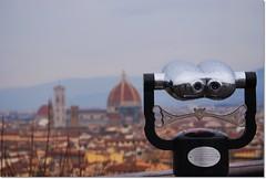 Guardare lontano... (Madame Eleonora) Tags: italy florence nikon italia view searchthebest vista firenze piazzalemichelangelo nikond60 eleonoragaggino