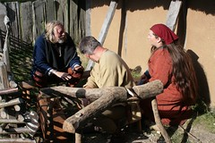 Dieter Graesch & Stefan Schloßbauer von Opinn Skjold sowie Raphi in Haithabu - Museumsfreifläche Wikinger Museum Haithabu WHH 13-09-2009