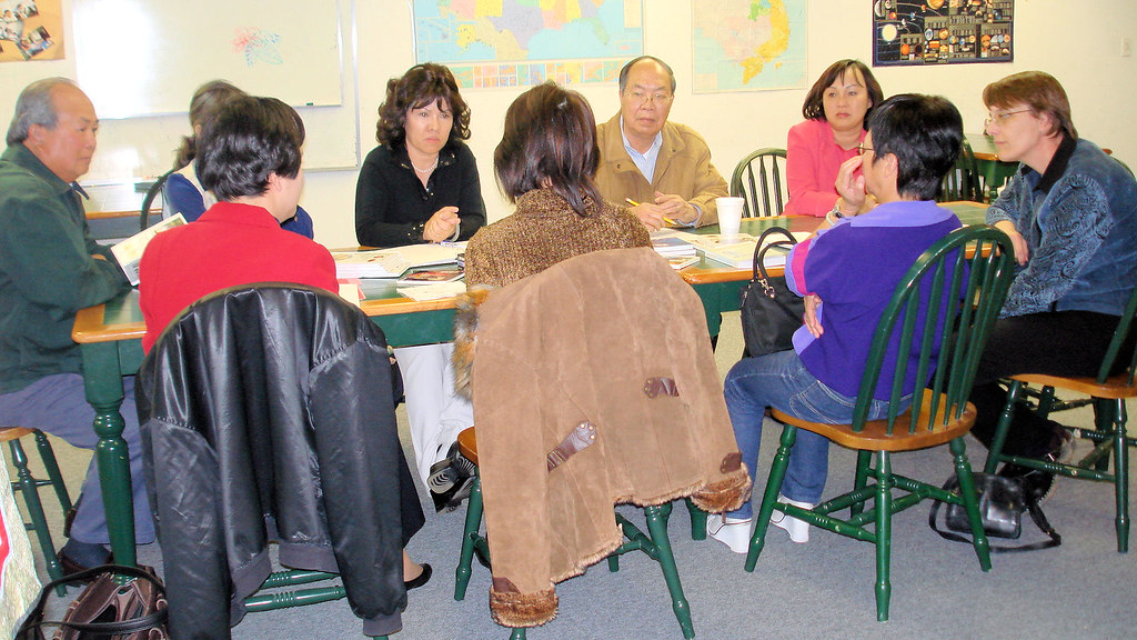 VIETNAMESE BOOKS REVIEW COMMITTEE, HOUSTON PUBLIC LIBRARY