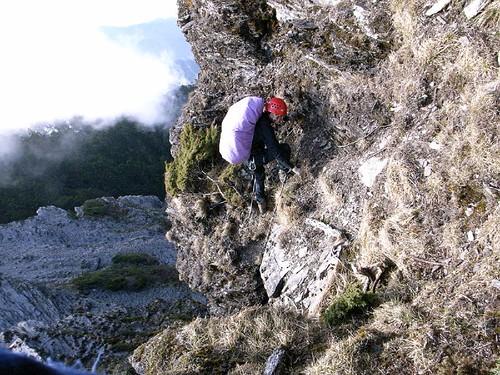 這段岩重裝不太好爬