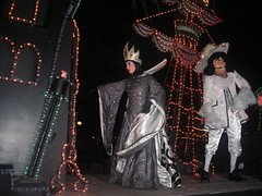 Wicked Queen and Captain Hook (Miss Wendy Bird) Tags: magickingdom spectromagic wickedqueen captainhooke