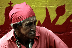 Una de las tantas generaciones involucradas en la... (. J •) Tags: contraluz rojo danza colores pixel mascara diablo papel celebración religión sincretismo diablosdanzantesdeyare