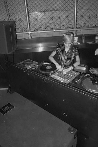 Girrrrlllllly DJ