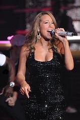 mariah carey performing at american idol