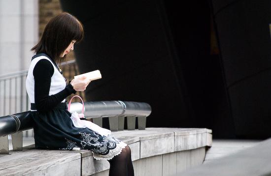 reading girl_0087