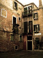 venezia (rupertalbe - rupertalbegraphic) Tags: venice alberto vicolo mariani angolo rupertalbe rupertalbegraphic