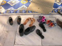 schoenen voor de moskee, ook die van mij