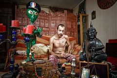 Rves  loyers modrs  Coquito - regard (Stphane Giner) Tags: portrait elephant man france statue tattoo french asian toucan candles alien police social bouddha chandelier hardcore disabled casquette toulouse handicap buddah bougies hlm homme piranha stephane banlieue giner cheveux coquito cite dortoir lifesbazaar