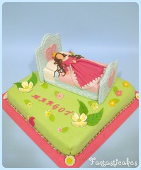 Torta Bella Addormentata / Sleeping Beauty (Fantasticakes (Ccile)) Tags: birthdaycake caketopper sleepingbeauty princesscake cakedecorating belladurmiente noveltycake bedcake tortasdecoradas sugarmodelling belleauxboisdormant gateauxrigolos tortedecorating