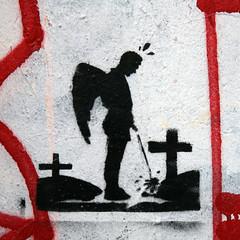 erleichterung (berlin.10119) Tags: streetart berlin stencil kreuz engel grab blasphemy flgel pissen pinkeln timszepan