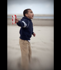 Imani - Flying Kite (Jesse Estes) Tags: kite lensbaby oregon coast jesseestesphotography