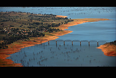 Lake Hume from the Air -Bethanga Bridge n 2 (heritagefutures) Tags: copyright lake river hr murray hume dirk murrayriver allrightsreserved albury lakehume spennemann humedam bethanga heritagefutures dirkhrspennemann heritagefuturesallrightsreserved copyrightdirkhrspennemann ausphoto