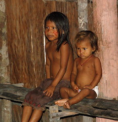 Amazon Kids (Mondmann) Tags: travel brazil tourism brasil kids children amazon nikond50 indians criancas indigenous amazonas ecotourism desana thatsclassy diaadiabrasileiro