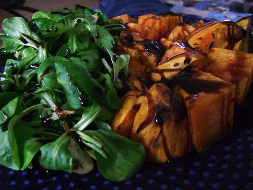 Roasted sweet potatoes with field salad