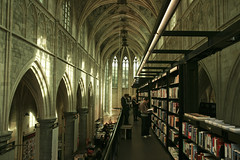 Bookstore (Simon Bak) Tags: simon church maastricht book store bookstore bak 400d selexyz dominicanen dominicanenkerk