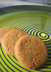 (vegan) molasses cookies (ie: snaps!)