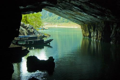 Cửa động Phong Nha - Phong Nha Grotto by lienpv.