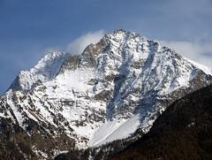 emilius e becca di nona da aosta (fabrizio.binello) Tags: 160268 s6500fd fuji aosta aoste emilius monteemilius monti mountain alpi alps valledaosta beccadinona neve snow italia italy naturesfinest cc creativecommons