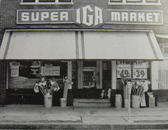 MO-Crystal City-Mueller IGA c 1960 (plasticfootball) Tags: missouri grocery crystalcity iga