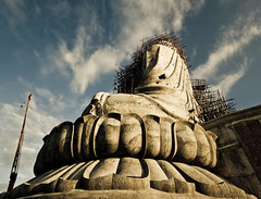 Big Buddha, Phuket Thailand (lee.starnes) Tags: sunset sky statue canon thailand photography saveme hill large buddhism thai huge save10 marble phuket buddah bigbuddha save11 rawai leestarnes lcsphotography