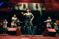 Erykah Badu & the roots 2