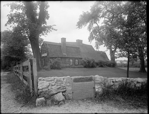 Old Fairbanks House showing tablet in front