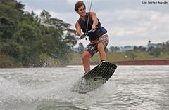 Wakeboard - Avaré (Luiz Henrique Assunção) Tags: sport canon eos sãopaulo wakeboard 2008 esporte avaré 40d licassuncao