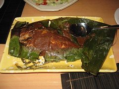 Singapore: Banana leaf grilled fish - red snapper