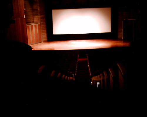 【写真】VQ1005で撮影した講堂
