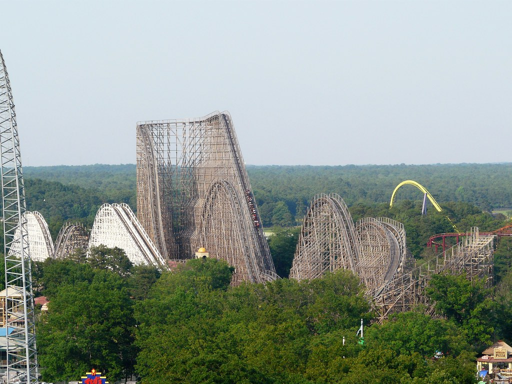 2 Wooden Coasters: El Toro and Rolling Thunder ( the smaller one )