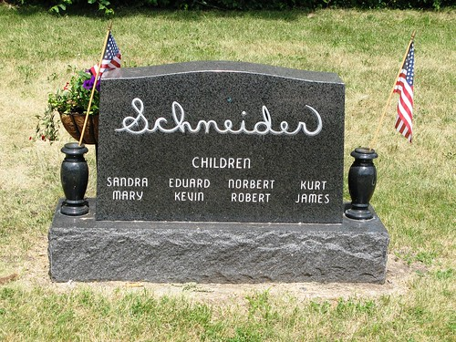 070408_cemetery3