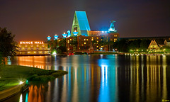 The Walt Disney World Dolphin Resort (Jeff_B.) Tags: night epcot swan dolphin disney disneyworld boardwalk 1001nights michaelgraves yachtclub epcotresorts goldstaraward overtheshot grouptripod 5stardisneyaward