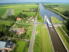 Gaarkeuken locks, in the North of the Netherlands (KAPturer) Tags: bridge kite holland netherlands dutch canon aerial fromabove locks brug kap groningen kiteflying birdseyeview luchtfoto sluis gaarkeuken vanboven vlieger vliegeren vogelvlucht vliegerfoto 850is dunecam kapturer