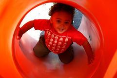 Slide (angelahel) Tags: red playing smile smiling kid child play vermelho brincar sorriso criana menino brincando sorrindo