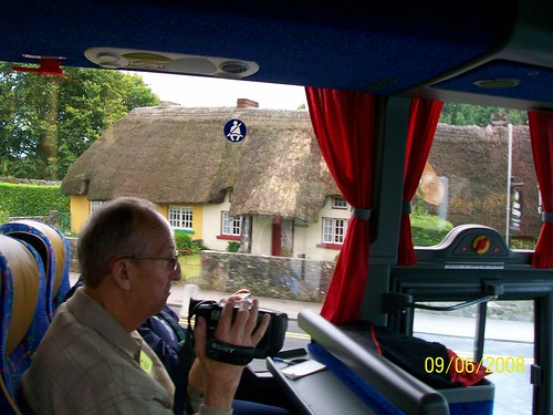 Ireland - On the road - Adare thatched roof house