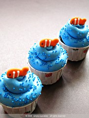 clown fish cupcakes by simply-cupcakes