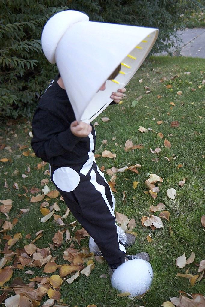 DexHalloween_6 (greeblehaus) Tags: Portrait Halloween Lamp Kids Children  Costume Kid Child Declan Pixar