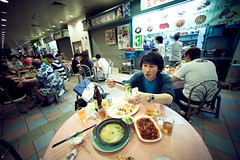 Food Hall (TGKW) Tags: boy portrait people food chicken beer vegetables hongkong eating centre chinese bowl meat tai chopsticks po noodles seafood wilson cooked