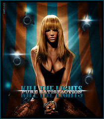 Britney Spears - Kill the lights (netmen.) Tags: lights kill spears circus satisfaction pure britney blend netmen