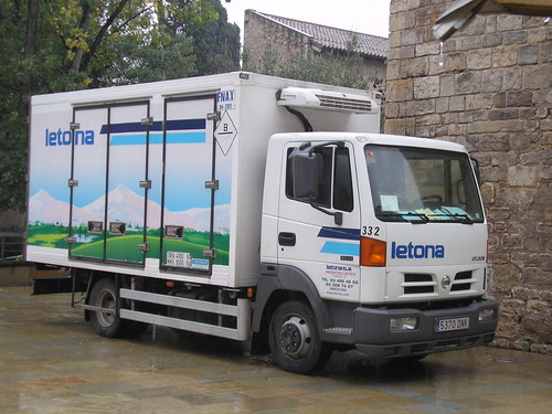 Nissan Atleon de l'empresa LETONA
