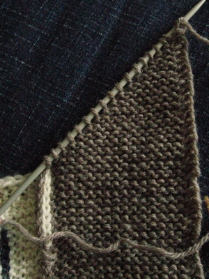 Knitting Picking Up Stitches For Band : yes, i MADE that.: Leftovers Blanket: Mitered Corners (or Mitred Corners, if ...