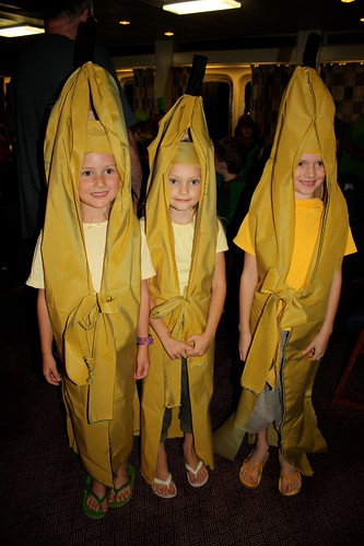 Three bananas!