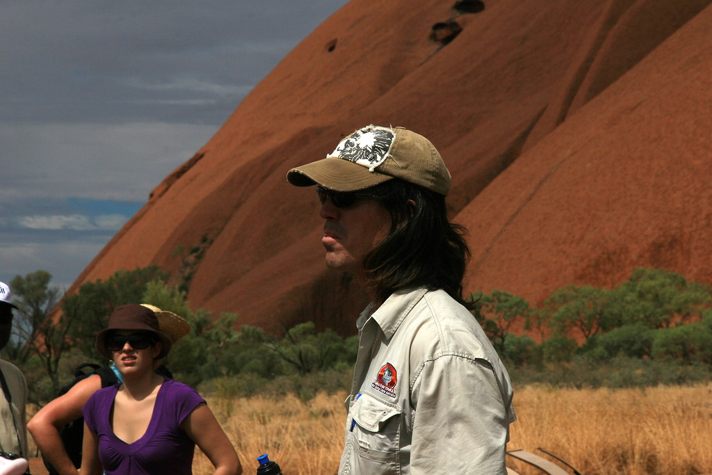 Scott Emu Run Tour guide at Uluru