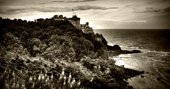 Culzean Castle (Uncle Berty) Tags: uk england bw white black castle coast scotland south berty brill bucks hdr smalls ayrshire culzean hp18 robfurminger
