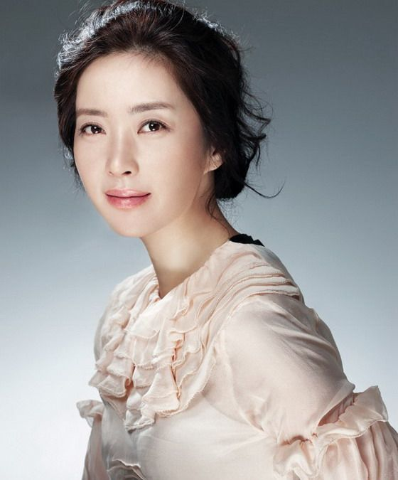 Song Yoon Ah (송윤아) Beautiful Photoshoot - beautiful girls
