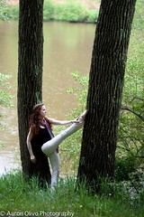 Gazing to the Distance (Psych101) Tags: trees ballet woman girl pose skinny outdoors dance newjersey pond ballerina danza performingarts nj dancer danse pointe extension thin redhair dança curlyhair baile dans bailarina ballo ballett lambertville bailar pointeshoes toeshoes ballerine balletto tanze