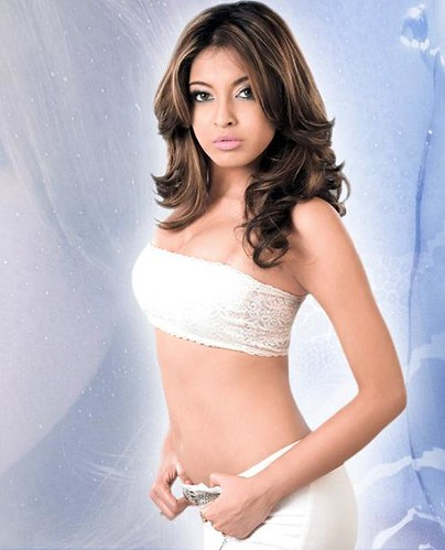 Hot Indian actress Bipasha Basu